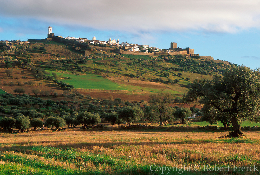PORTUGAL, ALENTEJO Monsaraz; walled, hilltop town