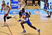 DESCRIZIONE : Supercoppa 2015 Semifinale Banco di Sardegna Sassari - Grissin Bon Reggio Emilia<br /> GIOCATORE : Christian Eyenga<br /> CATEGORIA : palleggio contropiede sequenza<br /> SQUADRA : Banco di Sardegna Sassari<br /> EVENTO : Supercoppa 2015<br /> GARA : Banco di Sardegna Sassari - Grissin Bon Reggio Emilia<br /> DATA : 26/09/2015<br /> SPORT : Pallacanestro <br /> AUTORE : Agenzia Ciamillo-Castoria/GiulioCiamillo