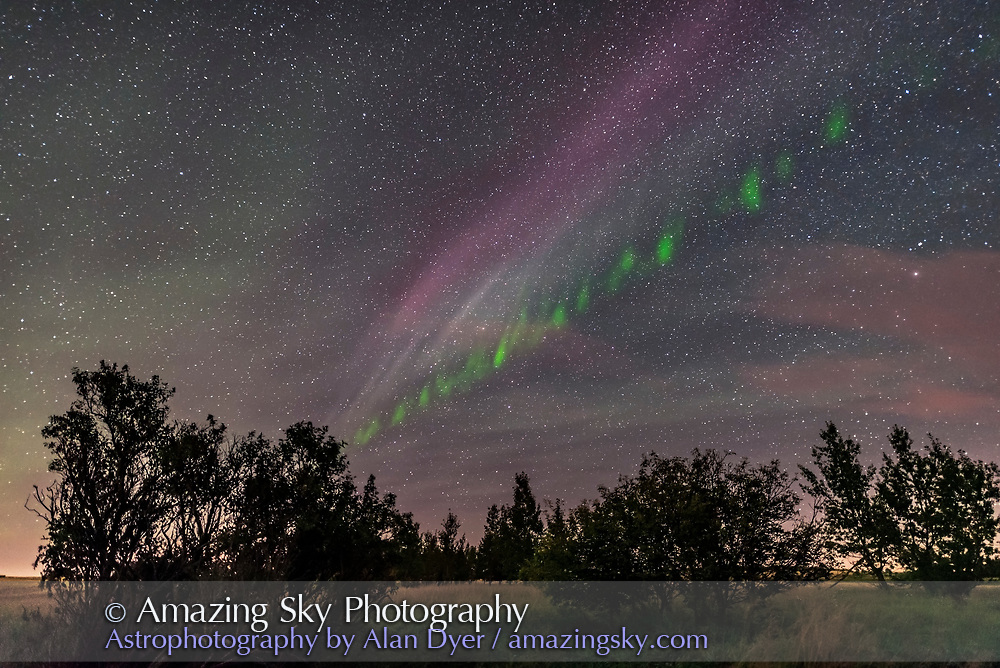 An isolated auroral arc to the southeast on September 2, 2016, shot from home during a fine display with active curtains to the north. This one displays the classic picket fence apperarance, with fingers of green aurora that moved along the band during a time-lapse of the scene. <br /> <br /> A single 13-second exposure with the 20mm lens at f/1.4 and Nikon D750 at ISO 3200.