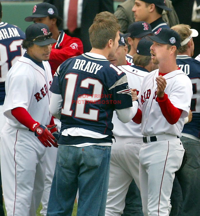 (04/09/2004 - Boston, MA) Fenway Opener.... LTOR Manny Ramirez, Tom Brady and Alan Embry (sp?)(040904soxmg-Photo: mark Garfinkel.