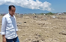 October 3, 2018 - Sigi, Central Sulawesi, Indonesia - SIGI, INDONESIA - OCTOBER 03, 2018 : Indonesia President Joko Widodo visited the Mpanau Village, Biromaru District, Sigi Regency, Central Sulawesi, Indonesia on October 03, 2018. Mpanau village is one of the locations of the land moving to emit a roar of mud which caused thousands of residents to be swallowed up by the earth and hundreds of people died. (Credit Image: © Sijori Images via ZUMA Wire)