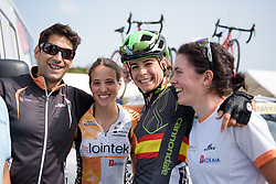 Sheyla Gutierrez catches up with some old teammates at Grand Prix de Plouay Lorient Agglomération a 121.5 km road race in Plouay, France on August 26, 2017. (Photo by Sean Robinson/Velofocus)