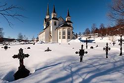 THEMENBILD - Kirche und Friedhof in Duveds (Duveds Kyrka), aufgenommen am Freitag, 16. März 2018. Die alpinen Ski- Weltmeisterschaften 2019 finden von 05. bis 17. Februar in Aare /Schweden statt // Church and cemetery in Duveds (Duveds Kyrka), pictured on Tuesday, March 13, 2018. The Alpine Skiing World Championships 2019 will take place from 05 to 17 February in Aare. Sweden on 2017/03/16. EXPA Pictures © 2018, PhotoCredit: EXPA/ Johann Groder