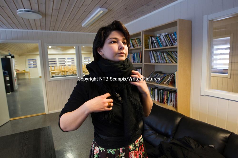 TRANDUM  20110113. Papirl&macr;se asyls&macr;keren og forfatteren Maria Amelie ved Politiets Utlendingsinternat p&Acirc; Trandum torsdag formiddag. Maria Amelie opprinnelig fra Kakasus  ble p&Acirc;grepet p&Acirc; Lillehammer onsdag kveld.  I f&macr;lge politiet skal hun sendes ut av landet s&Acirc; fort som mulig. Hun blir trolig fremstilt for fengsling torsdag ettermiddag.<br /> Foto: Cornelius Poppe / SCANPIX<br /> <br /> NTB Scanpix/Writer Pictures<br /> <br /> WORLD RIGHTS, DIRECT SALES ONLY, NO AGENCY