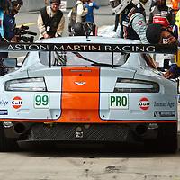 #99 Aston Martin Vantage V8, Aston Martin Racing (drivers: Bell/Makowiecki/Senna), LMGTE Pro at Le Mans 24H 2013