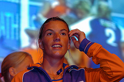 27-08-2004 GRE: Olympic Games day 14, Athens<br /> Hockey finale vrouwen Nederland - Duitsland werd verloren met 1-2 maar in het HHH wisten de vrouwen toch wel een feestje te bouwen / Mijntje Donners