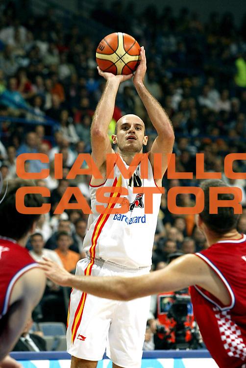 DESCRIZIONE : Belgrado Belgrade Eurobasket Men 2005 Croazia Spagna <br /> GIOCATORE : Jimenez<br /> SQUADRA : Spagna Spain<br /> EVENTO : Eurobasket Men 2005 Campionati Europei Uomini 2005<br /> GARA : Croazia Spagna Croatia Spain<br /> DATA : 23/09/2005<br /> CATEGORIA :<br /> SPORT : Pallacanestro<br /> AUTORE : Ciamillo&amp;Castoria/Fiba Europe Pool