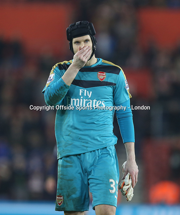 26 Devember 2015 - Premier League Football - Southampton v Arsenal :<br /> goalkeeper Peter Cech who was beaten 4 times in the 4-0 defeat for Arsenal.<br /> Photo: Mark Leech