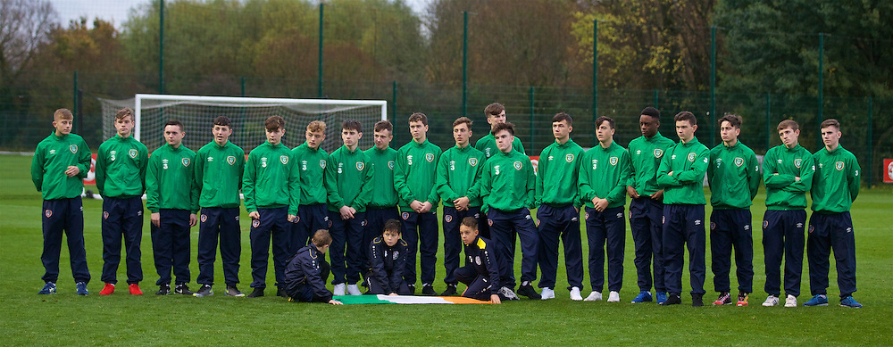 NEWPORT, WALES - Thursday, November 5, 2015: Republic of Ireland players at the closing ceremony after the Under-16's Victory Shield International tournament at Dragon Park. (Pic by David Rawcliffe/Propaganda)