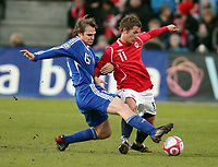 Fotball , 01. april 2009 , Privatkamp , Norge - Finland<br /> Norway - Finland<br /> Morten Gamst Pedersen , Norge og Markus Heikkinen , Finland