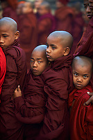 Myanmar (ex Birmanie), Province de Mandalay, Site de Pagan ou Bagan, Temple de Patho Ananda, fete de la pleine lune, Patrimoine mondial UNESCO // Myanmar (Burma), Mandalay Province, Pagan or Bagan, Patho Ananda temple, full moon festival, Unesco world heritage