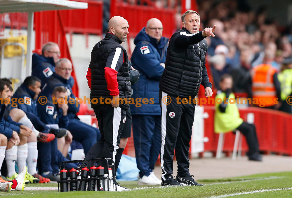 Crawley&rsquo;s Manager Mark Yates gestures to his players during the Sky Bet League 2 match between Crawley Town and Luton Town at the Checkatrade.com Stadium in Crawley. October 17, 2015.<br /> James Boardman / Telephoto Images<br /> +44 7967 642437