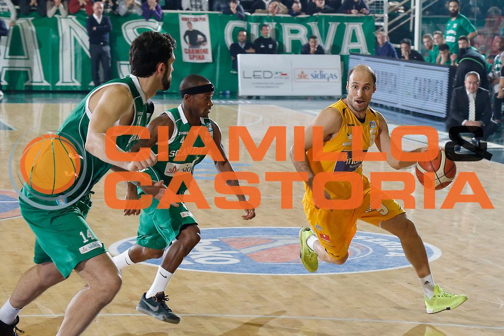 DESCRIZIONE : Avellino Lega A 2015-16 Sidigas Avellino Manital Torino<br /> GIOCATORE : Jacopo Giachetti<br /> CATEGORIA : palleggio<br /> SQUADRA : Manital Torino<br /> EVENTO : Campionato Lega A 2015-2016 <br /> GARA : Sidigas Avellino Manital Torino<br /> DATA : 13/12/2015<br /> SPORT : Pallacanestro <br /> AUTORE : Agenzia Ciamillo-Castoria/A. De Lise <br /> Galleria : Lega Basket A 2015-2016 <br /> Fotonotizia : Avellino Lega A 2015-16 Sidigas Avellino Manital Torino