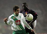 Fotball, 23. februar 2005, Champions League Sv Werder Bremen - Olympique Lyon<br /> v.l. Miroslav Klose Bremen, Lamine Diatta
