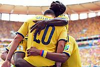 2:0 Jubel Kolumbien Torschuetze Juan Quintero (20), Victor Ibarbo (oben)<br /> Fussball, FIFA WM 2014 Vorrunde, <br /> Colombia - Elfenbenskysten<br /> Norway only