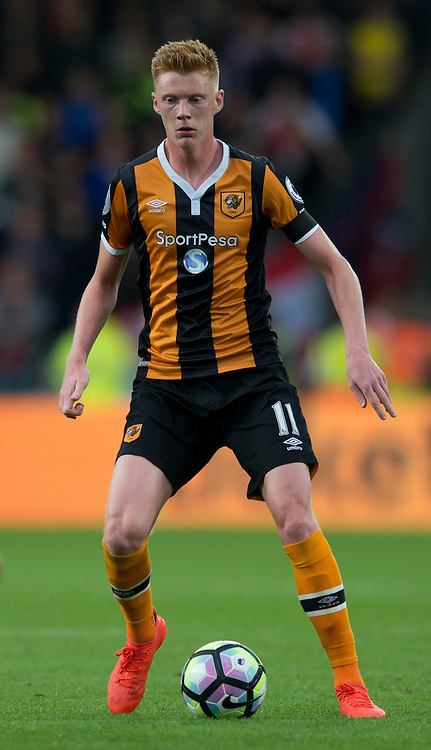 Sam Clucas of Hull City during the Premier League match at the KCOM Stadium, Hull<br /> Picture by Russell Hart/Focus Images Ltd 07791 688 420<br /> 17/09/2016