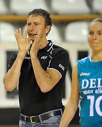 29-10-2011 VOLLEYBAL: NEDERLAND - BELGIE: ALMERE<br /> De eerste oefenwedstrijd als voorbereiding op het pre OKT wordt met 3-0 gewonnen van Belgie / interim-coach Bert Goedkoop<br /> ©2011-WWW.FOTOHOOGENDOORN.NL