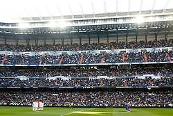 10.01.2015, Estadio Santiago Bernabeu, Madrid, ESP, Primera Division, Real Madrid vs Espanyol Barcelona, 18. Runde, im Bild Real Madrid's and Espanyol's players during tribute to the 17 victims of jihadist attacks in France // during the Spanish Primera Division 18th round match between Real Madrid CF and Espanyol Barcelona at the Estadio Santiago Bernabeu in Madrid, Spain on 2015/01/10. EXPA Pictures &copy; 2015, PhotoCredit: EXPA/ Alterphotos/ Acero<br /> <br /> *****ATTENTION - OUT of ESP, SUI*****