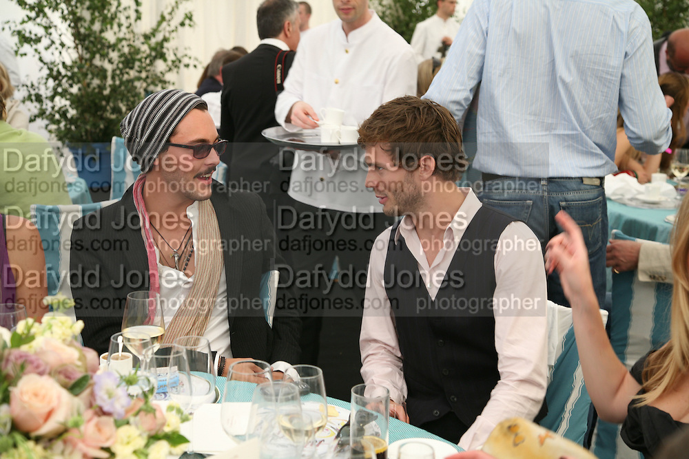 Danny Huston and Jamie Dornan, Cartier International Polo. Guards Polo Club. Windsor Great Park. 29 July 2007.  -DO NOT ARCHIVE-© Copyright Photograph by Dafydd Jones. 248 Clapham Rd. London SW9 0PZ. Tel 0207 820 0771. www.dafjones.com.