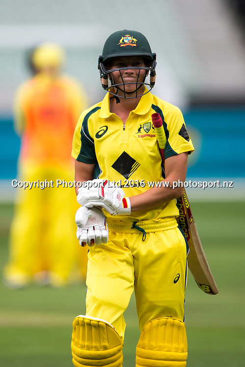 Australian captain walks back dejected during the Women's Twenty20 match between Australia and India at the MCG in Melbourne, Australia. Friday 29 January 2016. Copyright photo: Raghavan Venugopal / www.photosport.nz