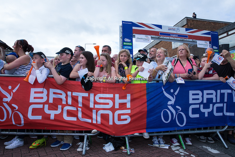 06.09.2016. Congleton Cheshire, England.  Tour of Britain, Stage 3, Congleton to Knutsford.  Fans at the start.