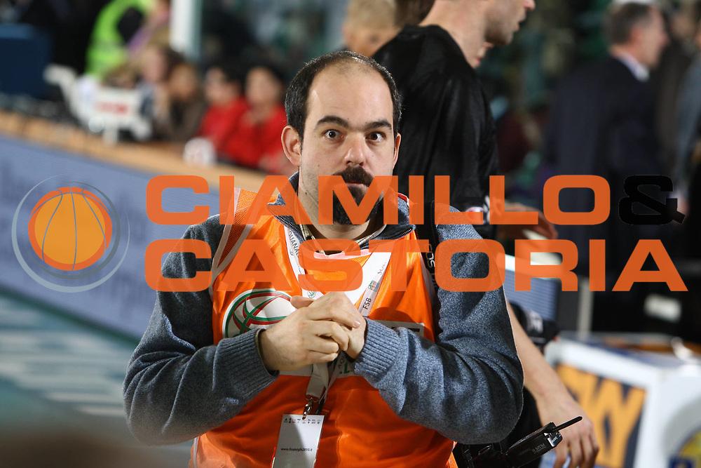 DESCRIZIONE : Avellino Final 8 Coppa Italia 2010 Semifinale Canadian Solar Virtus Bologna Air Avellino<br /> GIOCATORE : Paolo Lazzeroni<br /> SQUADRA :<br /> EVENTO : Final 8 Coppa Italia 2010 <br /> GARA : Canadian Solar Virtus Bologna Air Avellino<br /> DATA : 20/02/2010<br /> CATEGORIA :  stampa giornalista fotografo<br /> SPORT : Pallacanestro <br /> AUTORE : Agenzia Ciamillo-Castoria/ElioCastoria<br /> Galleria : Lega Basket A 2009-2010 <br /> Fotonotizia : Avellino Final 8 Coppa Italia 2010 Semifinale Canadian Solar Virtus Bologna Air Avellino<br /> Predefinita :