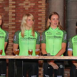 08-02-2018: Wielrennen: teampresentatie WAOWdeals: Merksem<br />Jeanne Korevaar, Monique van de Ree, Riejanne Markus, Rotem Gavinovitz