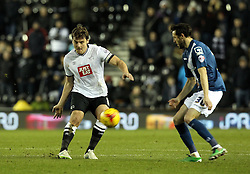Chris Martin of Derby County passes the ball past - Mandatory byline: Robbie Stephenson/JMP - 16/01/2016 - FOOTBALL - iPro Stadium - Derby, England - Derby County v Birmingham City - Sky Bet Championship