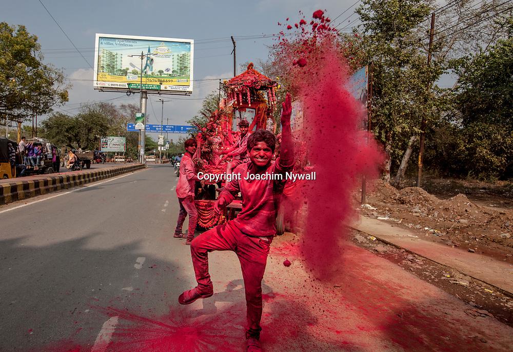 Vrindavan 2017 03 11 Indien<br /> Holi hinduernas v&aring;rfest eller f&auml;rgfest firas  i Vrindavan<br /> <br /> <br /> ----<br /> FOTO : JOACHIM NYWALL KOD 0708840825_1<br /> COPYRIGHT JOACHIM NYWALL<br /> <br /> ***BETALBILD***<br /> Redovisas till <br /> NYWALL MEDIA AB<br /> Strandgatan 30<br /> 461 31 Trollh&auml;ttan<br /> Prislista enl BLF , om inget annat avtalas.