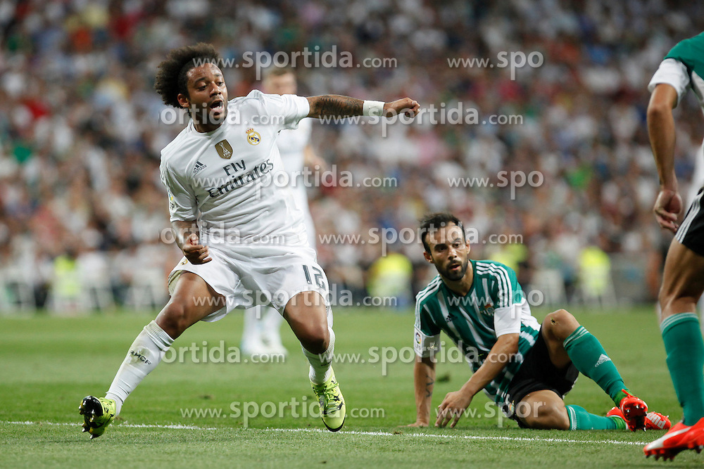 29.08.2015, Estadio Santiago Bernabeu, Madrid, ESP, Primera Division, Real Madrid vs Real Betis, 2. Runde, im Bild Real Madrid&acute;s Marcelo Vieira (L) and Real Betis&acute;s Molinero // during the Spanish Primera Division 2nd round match between Real Madrid and Real Betis at the Estadio Santiago Bernabeu in Madrid, Spain on 2015/08/29. EXPA Pictures &copy; 2015, PhotoCredit: EXPA/ Alterphotos/ Victor Blanco<br /> <br /> *****ATTENTION - OUT of ESP, SUI*****
