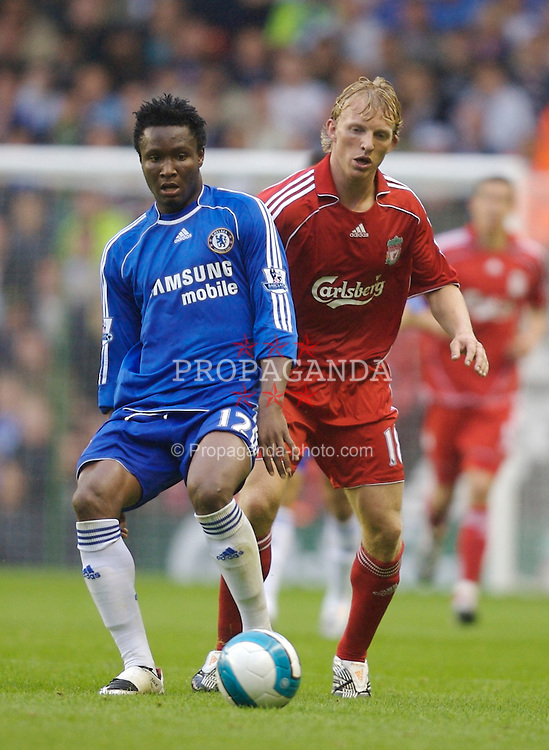 Liverpool, England - Sunday, August 19, 2007: Liverpool's Dirk Kuyt and Chelsea's Mikel John Obi during the Premiership match at Anfield. (Photo by David Rawcliffe/Propaganda)