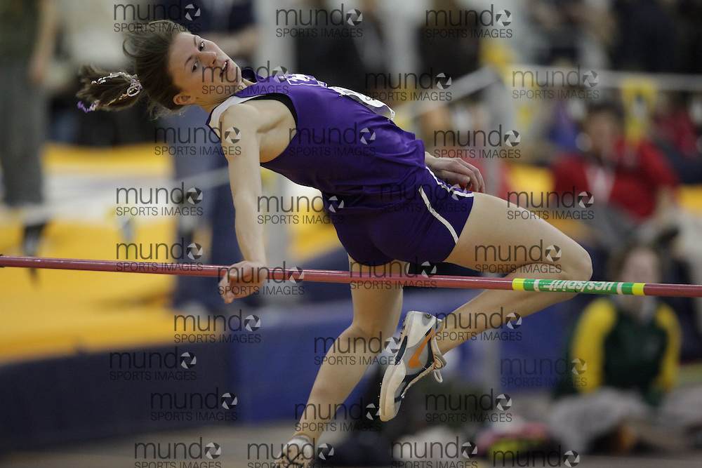 Windsor, Ontario ---12/03/09--- Jen Cotten of  the University of Western Ontario competes in the women's pentathlon high jump at the CIS track and field championships in Windsor, Ontario, March 12, 2009..GEOFF ROBINS Mundo Sport Images