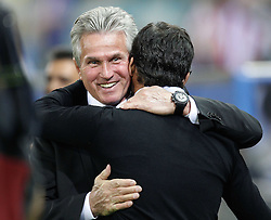 30.09.2010, Vicente Calderon Stadion, Madrid, UEFA EL, Atletico de Madrid vs Bayer 04 Leverkusen, im Bild Atletico Madrid's Quique Sanchez Flores and Bayer Leverkusen's  josef Heynckes during UEFA Europe League. EXPA Pictures © 2010, PhotoCredit: EXPA/ Alterphotos/ Cesar Cebolla +++++ ATTENTION - OUT OF SPAIN / ESP +++++