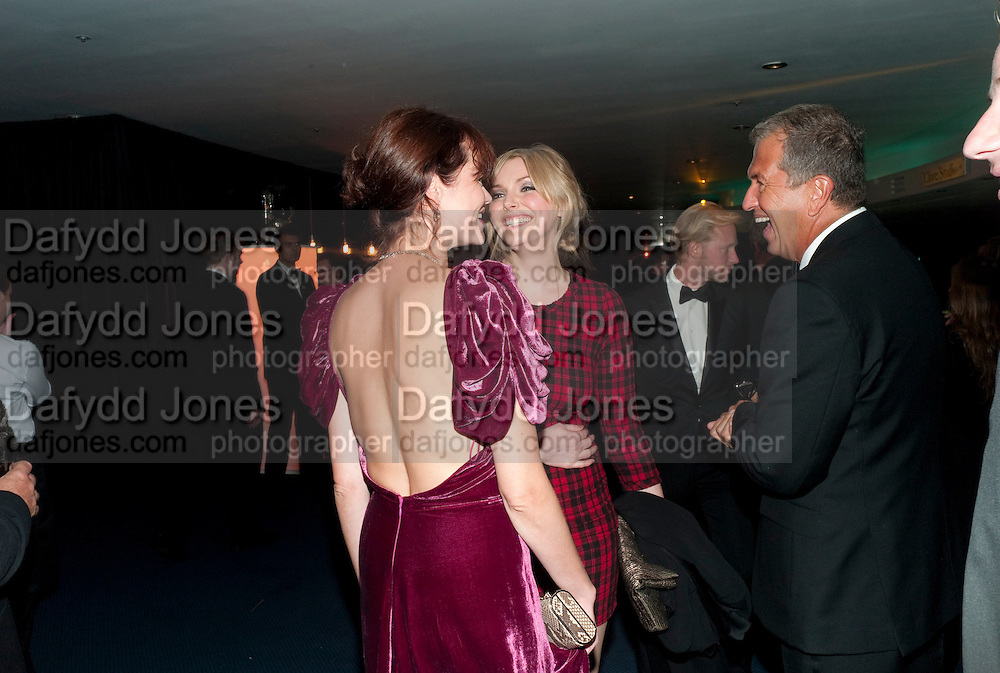 JASMINE GUINNESS; SOPHIE DAHL; MARIO TESTINO, GQ Man of the Year awards. The royal Opera House. Covent Garden. London. 6 September 2011. <br /> <br />  , -DO NOT ARCHIVE-&copy; Copyright Photograph by Dafydd Jones. 248 Clapham Rd. London SW9 0PZ. Tel 0207 820 0771. www.dafjones.com.