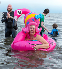 Loony Dook | Edinburgh | 1 January 2018