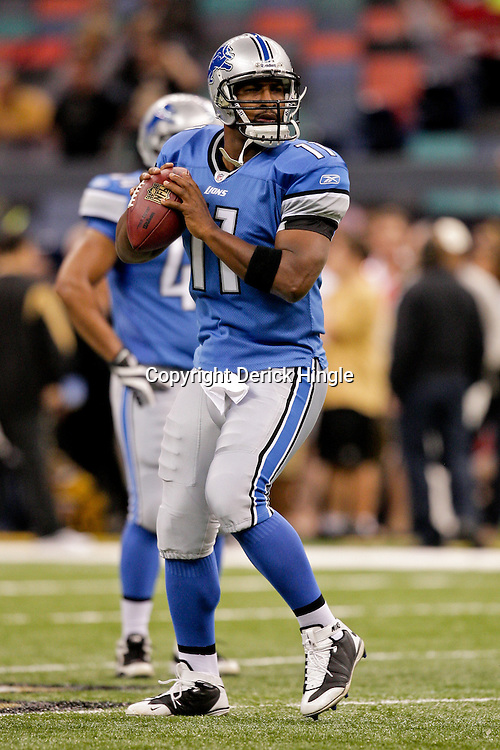 2009 September 13: Detroit Lions quarterback Daunte Culpepper (11) during warm ups before a week one regular season game between the New Orleans Saints and the Detroit Lions at the Louisiana Superdome in New Orleans, Louisiana.