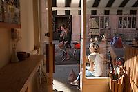 Vue de l'intérieur du café Monocle dans Chiltern Street, Marylebone, Londres.