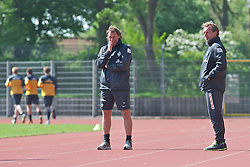 15.05.2013, Weserstadion, Bremen, GER, 1.FBL, Laktattest SV Werder Bremen, im Bild, von links, die Interims-Trainer Wolfgang Rolff (Co-Trainer Werder Bremen) und Matthias Hönerbach / Hoenerbach (Co-Trainer Werder Bremen)  // during the training session of the German Bundesliga Club SV Werder Bremen at the Weserstadion, Bremen, Germany on 2013/05/15. EXPA Pictures © 2013, PhotoCredit: EXPA/ Andreas Gumz ***** ATTENTION - OUT OF GER *****
