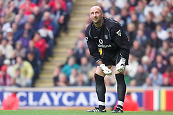 LIVERPOOL, ENGLAND - Sunday, November 4, 2001: Manchester United's goalkeeper Fabian Barthez during the Premiership match against Liverpool at Anfield. (Pic by David Rawcliffe/Propaganda)
