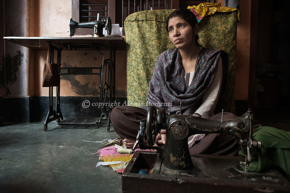 India, Uttar Pradesh.Chinky, 25 yo.<br /> To marry her, the father had to pay a dowry of 500000 rs.<br /> Despite that her husband and in law keep asking money and beating her so that her father decided to take her away.<br /> Now she is living with her parents and her father is looking to marry her again.<br /> Alessio Romenzi
