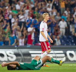 25.08.2011, Red Bull Arena, Salzburg, AUT, UEFA EL, Red Bull Salzburg vs Omonia Nikosia, im Bild Omonia Nikosia am Boden, Jubel bei Martin Hinteregger (Red Bull Salzburg, #36) // during the UEFA Europaleague 2nd Leg Match, Red Bull Salzburg against Omonia Nikosia, Red Bull Arena, Salzburg, 2011-08-25, EXPA Pictures © 2011, PhotoCredit: EXPA/ J. Feichter