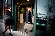 5-4-2016 ROTTERDAM - dag 2 Oud-wethouder Jos van Rey arriveert samen met zijn advocate Gitte Stevens bij de rechtbank in Rotterdam voor de inhoudelijk behandeling van zijn strafzaak. Van Rey wordt onder andere verdacht van het aannemen van smeergeld en het doorspelen van vertrouwelijke informatie. Oud-wethouder Jos van Rey  bij de rechtbank in Rotterdam voor de inhoudelijk behandeling van zijn strafzaak. Van Rey wordt onder andere verdacht van het aannemen van smeergeld en het doorspelen van vertrouwelijke informatie.  Inhoudelijke behandeling strafzaak Jos van Rey  copyright roin utrecht
