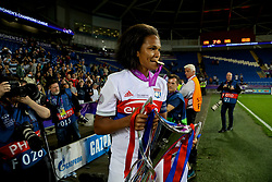 CARDIFF, WALES - Thursday, June 1, 2017: Olympique Lyonnais' Wendie Renard bites her winner's medal as her side celebrate winning the UEFA Champions League during the UEFA Women's Champions League Final between Olympique Lyonnais and Paris Saint-Germain FC at the Cardiff City Stadium. (Pic by David Rawcliffe/Propaganda)