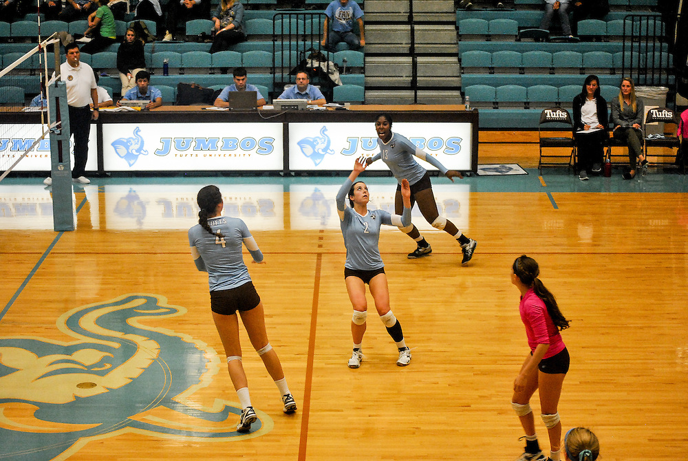 10/18/2013 - Cousens Gym, Tufts Medford campus - Tufts sophomore, Kyra Baum, setter and defensive specialist, prepares for the the ball during the volleyball home game where Tufts defeats Hamilton 25-12. Caroline Geiling / The Tufts Daily