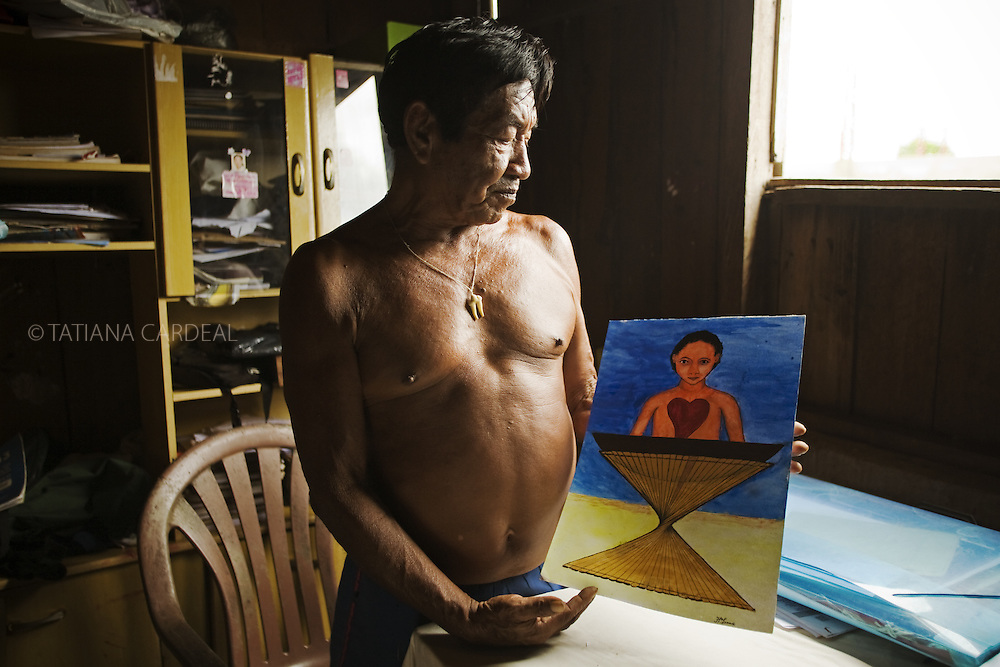 Feliciano showed his visions and paintings,<br /> his heartfelt fields of reality, a magic world.<br /> Feliciano Lana is a Desana Indigenous, a story teller, a healer and a visual artist.