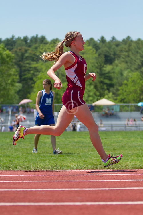 girls 1600 meters, Maine State Track & FIeld Meet - Class B