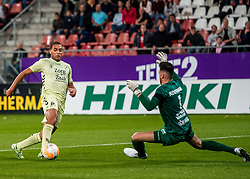 27-09-2018 NED: FC Utrecht - MVV Maastricht, Utrecht<br /> Cyriel Dessers #11 of FC Utrecht, Luuk Koopmans #1 of MVV