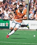 BLOEMENDAAL   - Hockey -  2e wedstrijd halve finale Play Offs heren. Bloemendaal-Amsterdam (2-2) . A'dam wint shoot outs. Glenn Schuurman (Bldaal)  COPYRIGHT KOEN SUYK