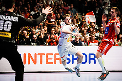 18.01.2020, Wiener Stadthalle, Wien, AUT, EHF Euro 2020, Spanien vs Österreich, Hauptrunde, Gruppe I, im Bild v. l. Thomas Eichberger (AUT), Aleix Gomez Abello (ESP) // f. l. Thomas Eichberger (AUT) Aleix Gomez Abello (ESP) during the EHF 2020 European Handball Championship, main round group I match between Spain and Austria at the Wiener Stadthalle in Wien, Austria on 2020/01/18. EXPA Pictures © 2020, PhotoCredit: EXPA/ Florian Schroetter