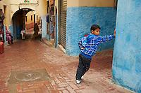 Maroc, Tanger, ruelle dans la Medina // Morocco, Tangier (Tanger), narrow street on the old city (Medina)